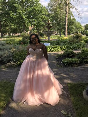 Prom dress for Sale in Niagara Falls, NY