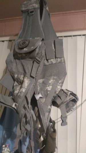 Fully adjustable tac vest for Sale in Montrose, CO