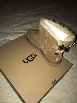 New Ugg Boots Size 8 for Sale in Annandale, VA