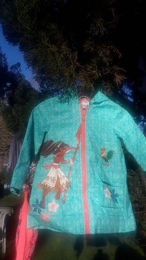 Moana raincoat 2t for Sale in Tacoma, WA