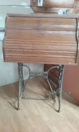 Small Rolltop desk on Singer stand for Sale in Hawk Point, MO