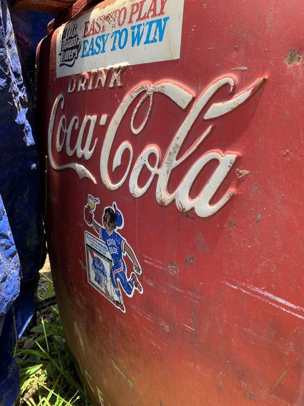 Coca-Cola vintage 1940s refrigerator