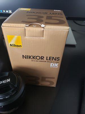 Nikon camera dslr 35mm 1.8 lens for Sale in Las Vegas, NV