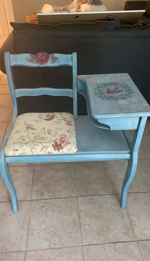 Gossip chair for Sale in Ellicott City, MD