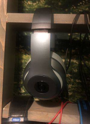 Beats by Dre studio headphones very lightly used for Sale in Los Angeles, CA