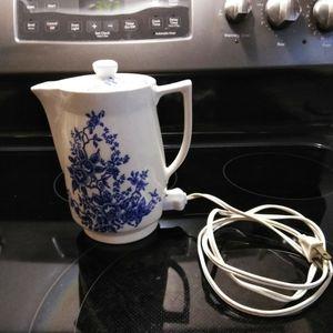 Antique Teapot Warmer for Sale in Eagle Lake, FL