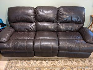 Leather reclining couch (electric) for Sale in Santa Clara, CA