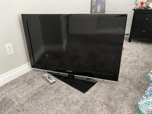 TV and TV stand for Sale in Gilbert, AZ