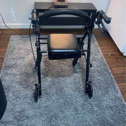 Walker In great Condition for Sale in San Diego,  CA