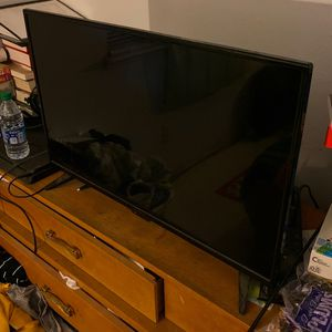"Insignia 32"" TV for Sale in Orosi, CA"