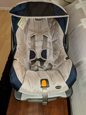Chicco Keyfit 30 Infant Car Seat for Sale in Winter Park, FL