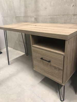 Nearly new desk. for Sale in San Diego, CA