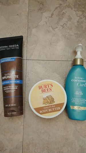 FREE! Hair & Body Products. 1st come 1st serve for Sale in Hesperia, CA