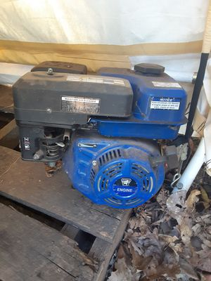 Six and a half horse mower motor for Sale in Greenville, SC