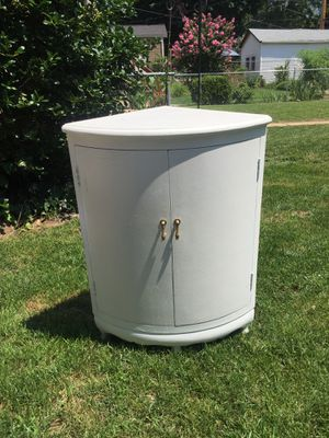 Antique white cabinet for Sale in St. Louis, MO