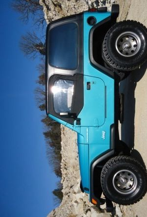 Perfect 1997 Jeep Wrangler AWDWheelsss Great for Sale in Fresno, CA