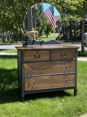 1920s Antique dresser/buffet for Sale in Lakewood, WA