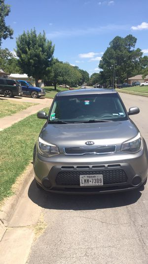 2015 Kia Soul 145 Miles Very clean inside and outside Rebuilt title No frame damage no airbag just the rear bumper cover for Sale in North Richland Hills, TX