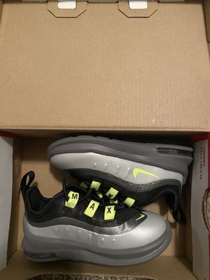 Nike Air Max Axis 5c for Sale in Raytown, MO