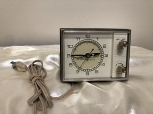 Vintage General Electric Table Clock - Model 7346 for Sale in Des Plaines, IL