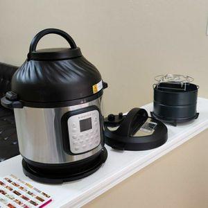 Instant Pot Duo Crisp + Air Fryer Combo (Retail $179.99) for Sale in Bakersfield, CA