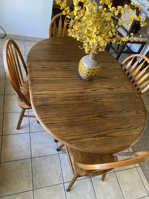 Kitchen table and chairs for Sale in Los Alamitos, CA