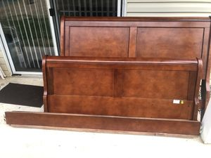 Queen Size Sleigh Bed Frame for Sale in Mooresville, NC