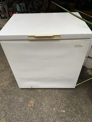 Deep Freezer for Sale in Tumwater, WA