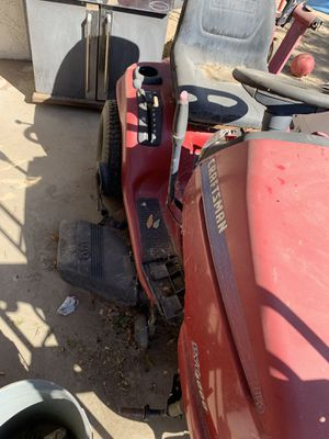 Craftsman riding lawn mower for Sale in Moreno Valley, CA