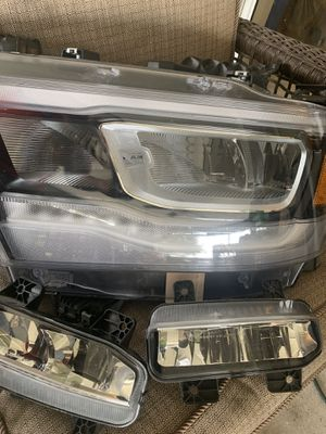 Dodge Ram headlight and fog lights for Sale in Mulberry, FL