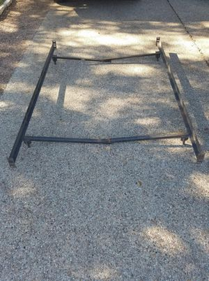 Free Queen metal frame for Sale in Austin, TX
