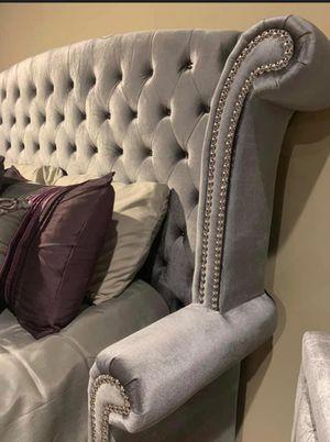 SPECIAL Velvet Platform King Size Bed Frame for Sale in Houston, TX