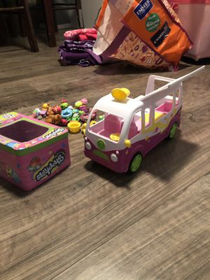 SHOPKINS Van and characters. for Sale in Minneapolis, MN
