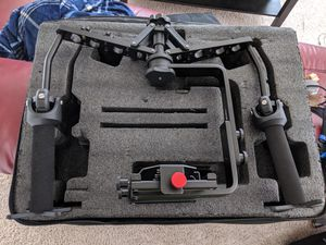 Neewer Spider Gimbal Rig Stabilizer For DSLR camera Like New comes with case Great Stablizer for Sale in Austin, TX