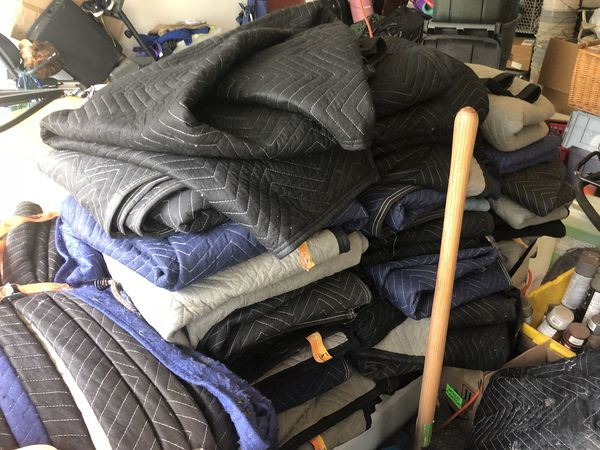 im selling my forklift, my handtruck and my 50 movers blankets because im not need them anymore inbox me