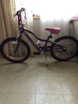 20 schwinn deelite Girls bike for Sale in Brookline, MA