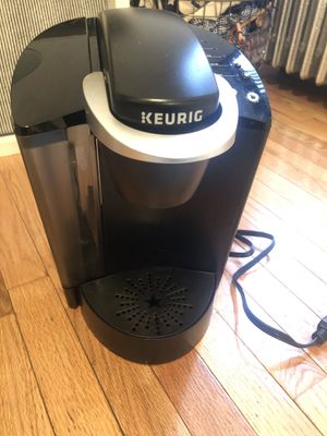 Keurig instant coffee maker, reusable pods included! Barely used. for Sale in New York, NY