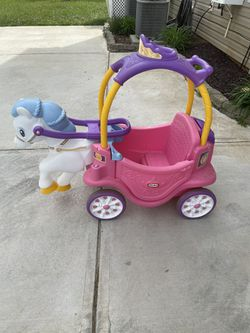 Princess Carriage Toddler Car for Sale in Harrisburg, NC