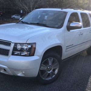2009 Chevy Suburban LTZ for Sale in Parma, OH