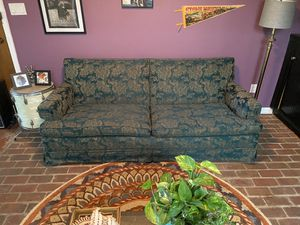 Vintage Floral Sofa! Make offer!! Need gone ASAP! for Sale in Pensacola, FL