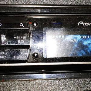 Pioneer DEH-80PRS Single-Din In-Dash CD Receiver With Built-In Bluetooth and HD Radio for Sale in Gardena, CA