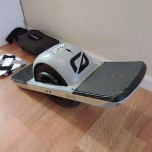 OneWheel Pint + Upgrades & Extras for Sale in Whitestown, IN