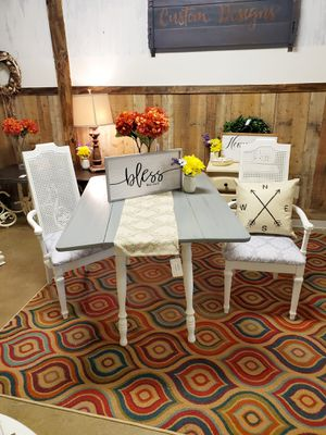 Beautiful Farmhouse Table & Chairs for Sale in Mechanicsville, VA