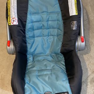 Graco Child Car Seat And Bases for Sale in Manchester, CT