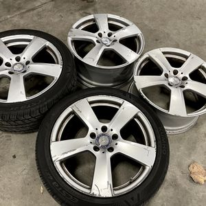 Mercedes Wheels & Tires 17' for Sale in Frederick, MD