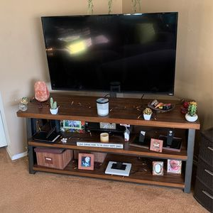 55 Inch TV (works great) AND Swivel TV Stand Like New $250 for Sale in San Diego, CA