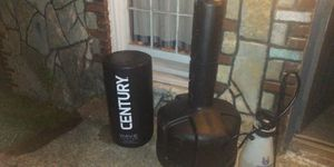 Century free standing punching bag 300lbs for Sale in Murfreesboro, TN