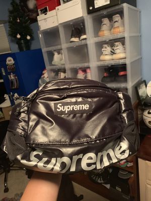 Supreme Waist Bag for Sale in Chesterfield, MO