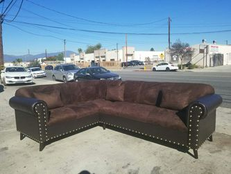 NEW 7X9FT BROWN MICROFIBER SECTIONAL COUCHES for Sale in San Diego,  CA