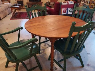 Table And Chairs for Sale in Everett,  WA